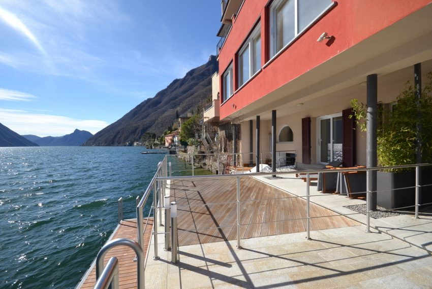 Lake Lugano Porlezza apartment for sale directly on the lake with boat mooring (18)