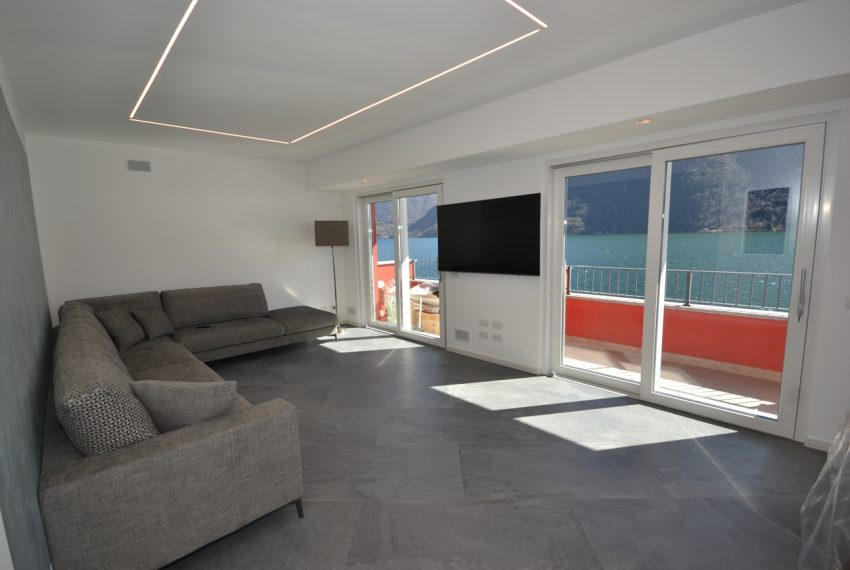 Lake Lugano Porlezza apartment for sale directly on the lake with boat mooring (2)