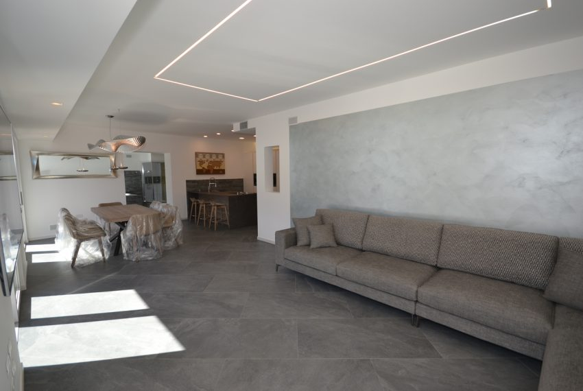 Lake Lugano Porlezza apartment for sale directly on the lake with boat mooring (3)