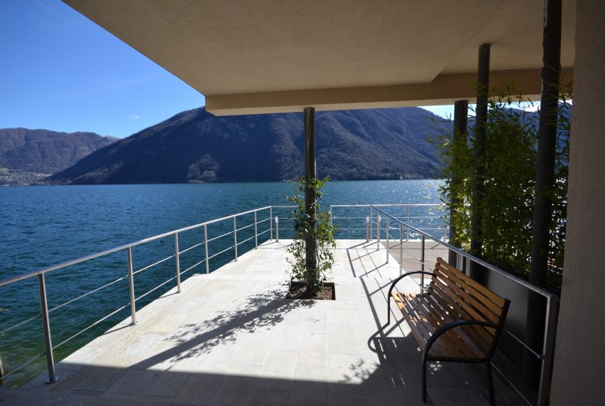 Lake Lugano Porlezza apartment for sale directly on the lake with boat mooring (9)
